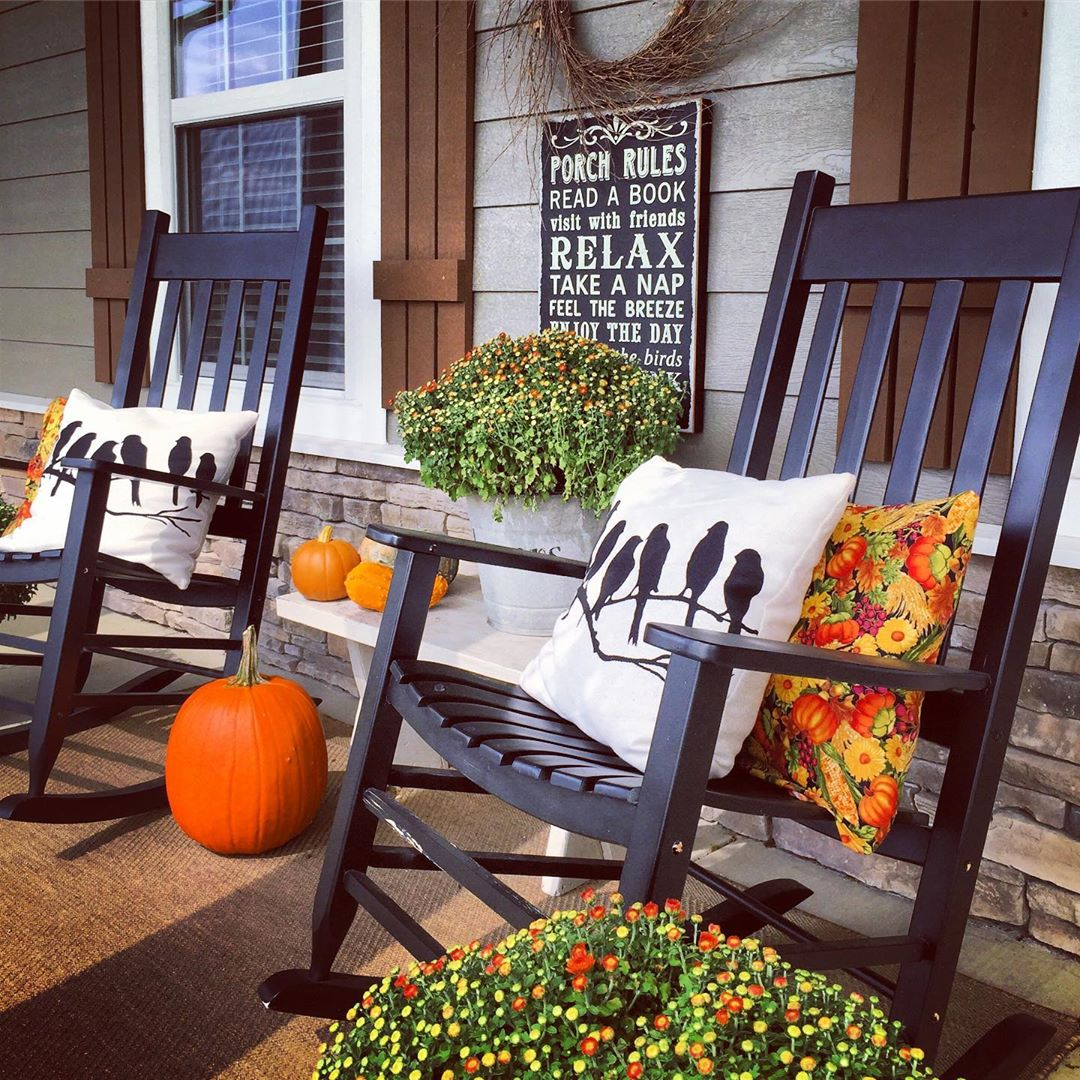 1569404385 467 front porch decor ideas to welcome fall with - Front Porch Decor Ideas To Welcome Fall With