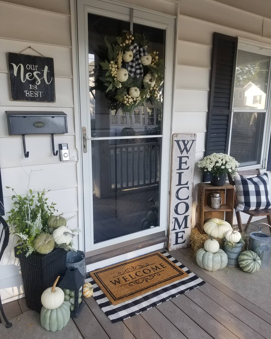 1569404385 549 front porch decor ideas to welcome fall with - Front Porch Decor Ideas To Welcome Fall With