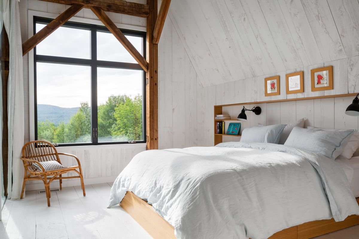 1569685973 2 old barn saved from ruin becomes a beautiful modern house - Old Barn Saved From Ruin Becomes a Beautiful Modern House
