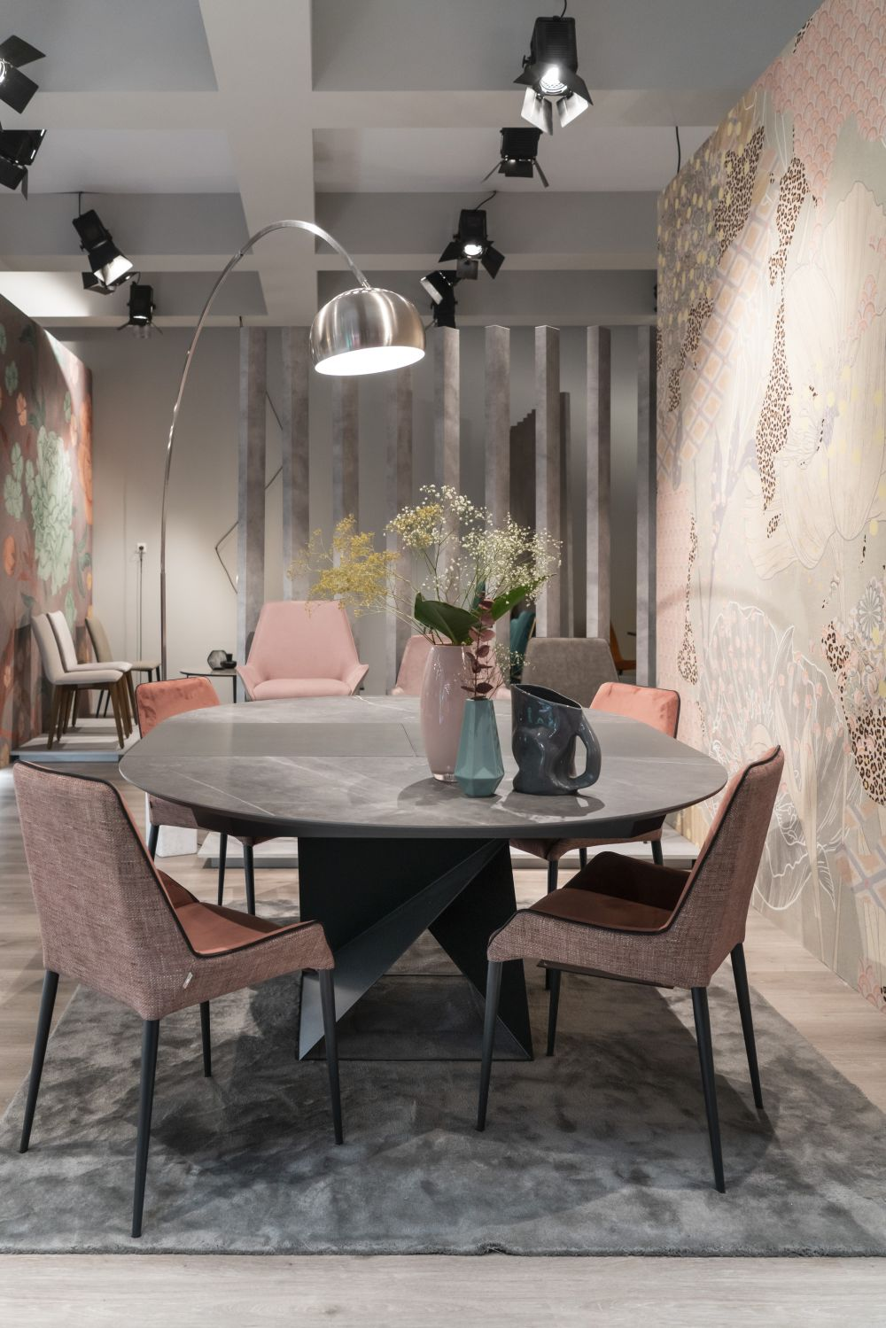 1569686259 388 modern dining tables that inspire you to reimagine your home - Modern Dining Tables That Inspire You To Reimagine Your Home