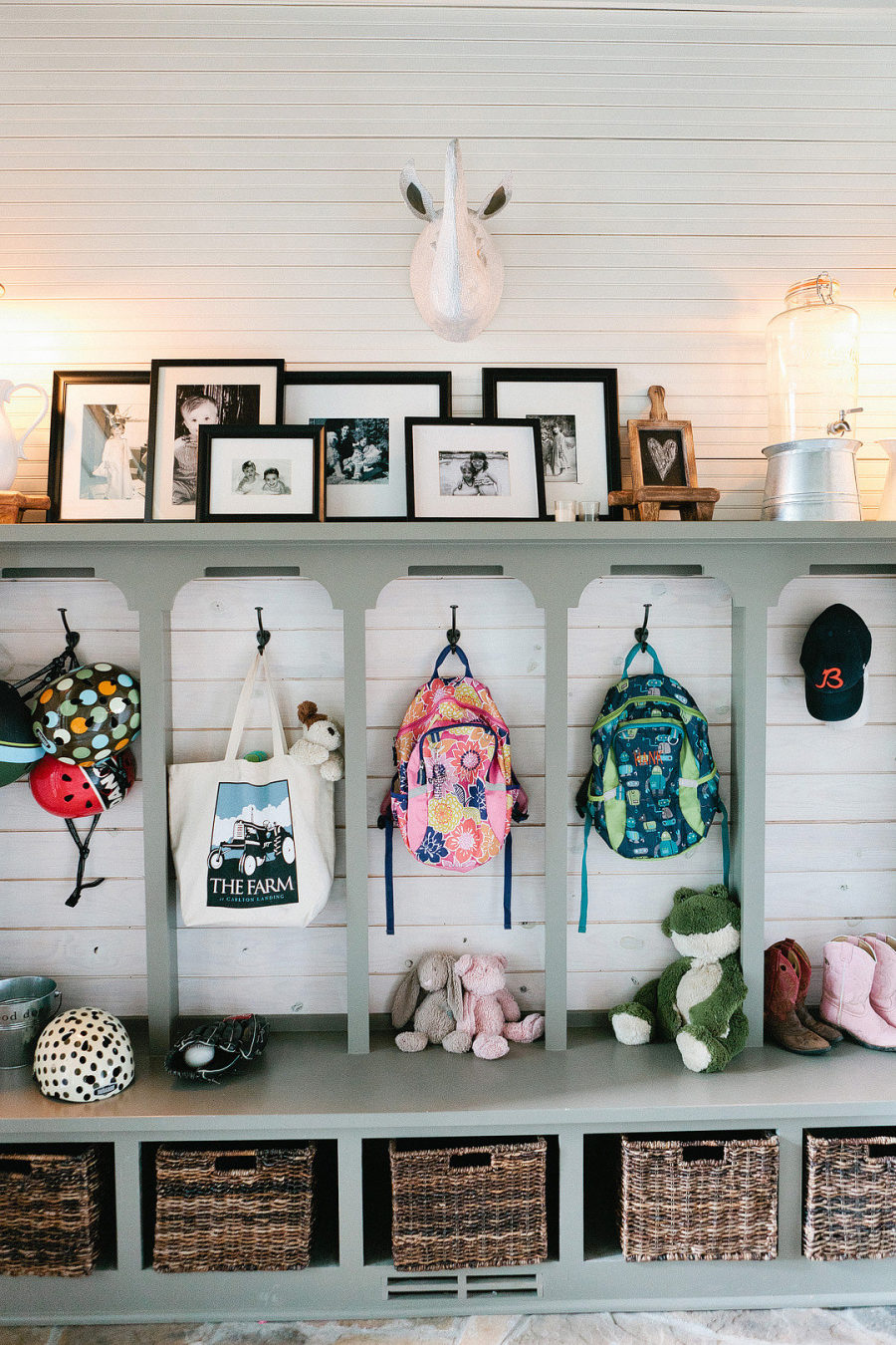 25 inspiring mudroom ideas for every home and style - 25 Inspiring Mudroom Ideas For Every Home And Style