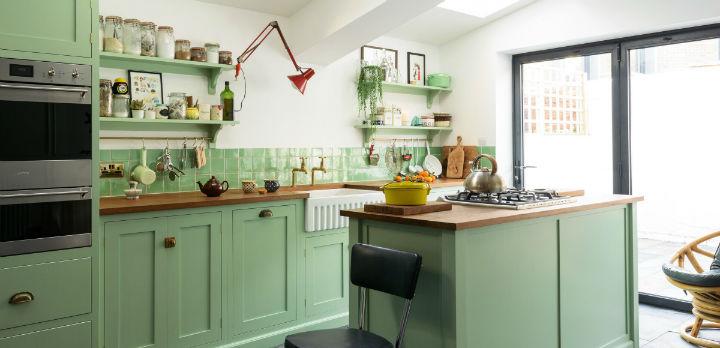 English kitchen cabinets 27 - Fabulous English Shaker Kitchen Designs (66 Pics)