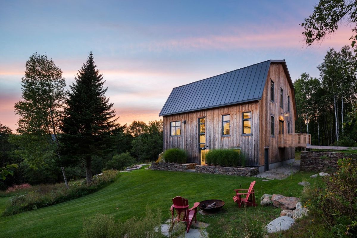 old barn saved from ruin becomes a beautiful modern house - Old Barn Saved From Ruin Becomes a Beautiful Modern House
