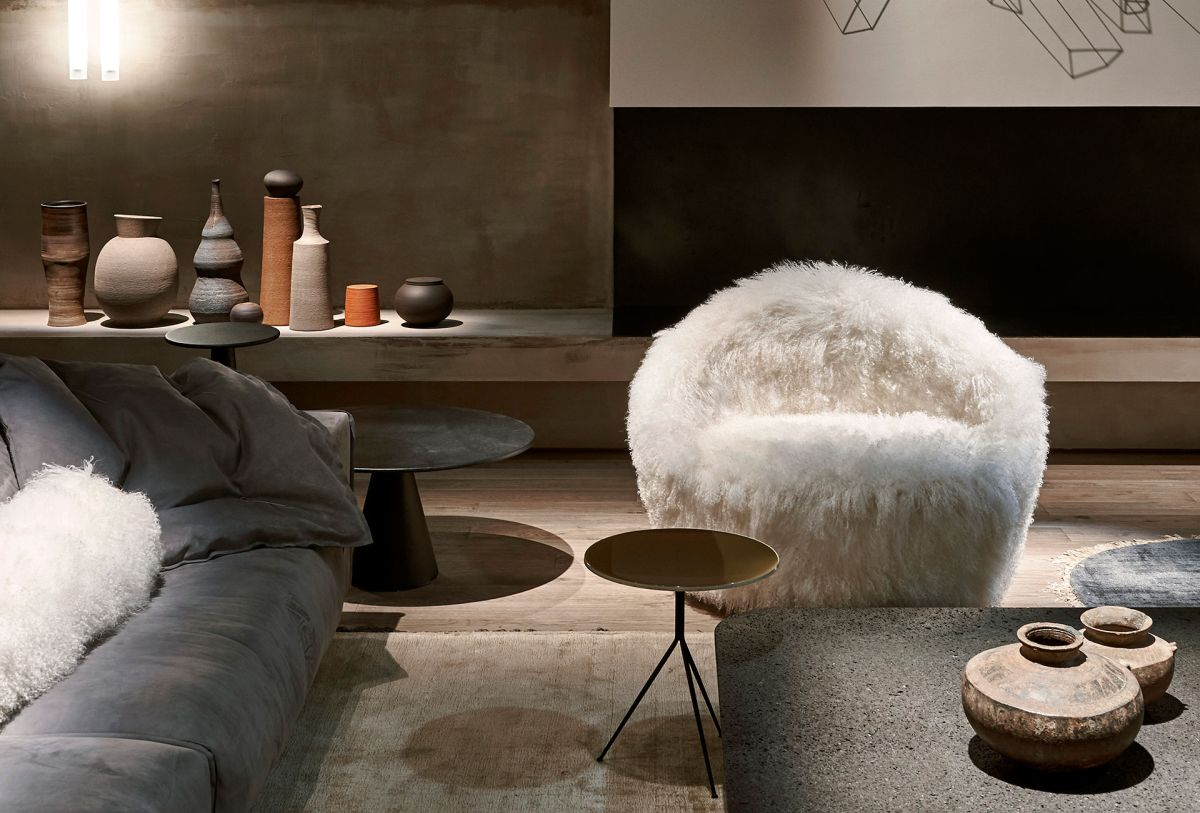 oversized armchair designs reveal the best seat in the house - Oversized Armchair Designs Reveal The Best Seat In The House