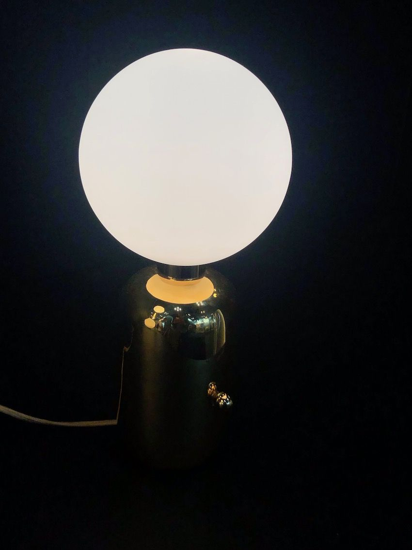 1569929241 478 20 examples of why globe lights never go out of style - 20 Examples of Why Globe Lights Never Go Out of Style