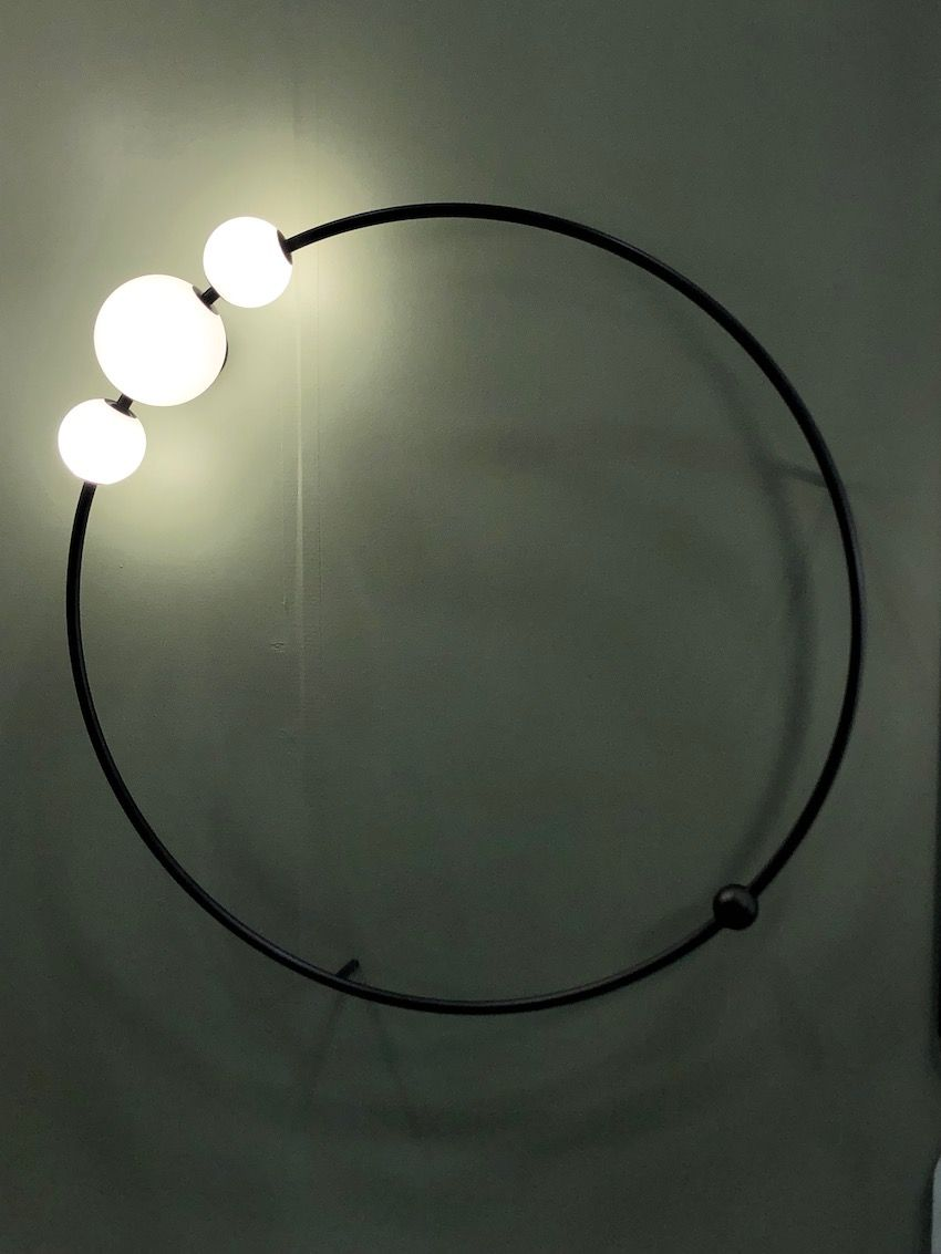 1569929241 557 20 examples of why globe lights never go out of style - 20 Examples of Why Globe Lights Never Go Out of Style