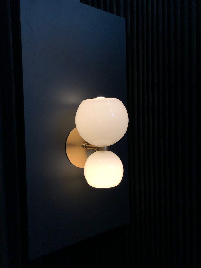 1569929241 735 20 examples of why globe lights never go out of style - 20 Examples of Why Globe Lights Never Go Out of Style