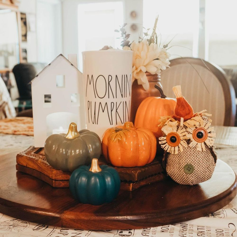 1570009042 348 15 charming fall centerpiece ideas to start off the new season with - 15 Charming Fall Centerpiece Ideas To Start Off The New Season With