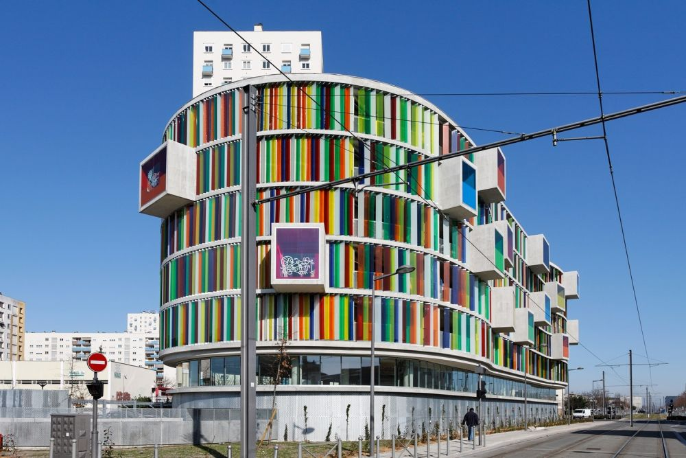 1570182549 693 12 mesmerizing buildings with colored glass facades - 12 Mesmerizing Buildings With Colored Glass Facades