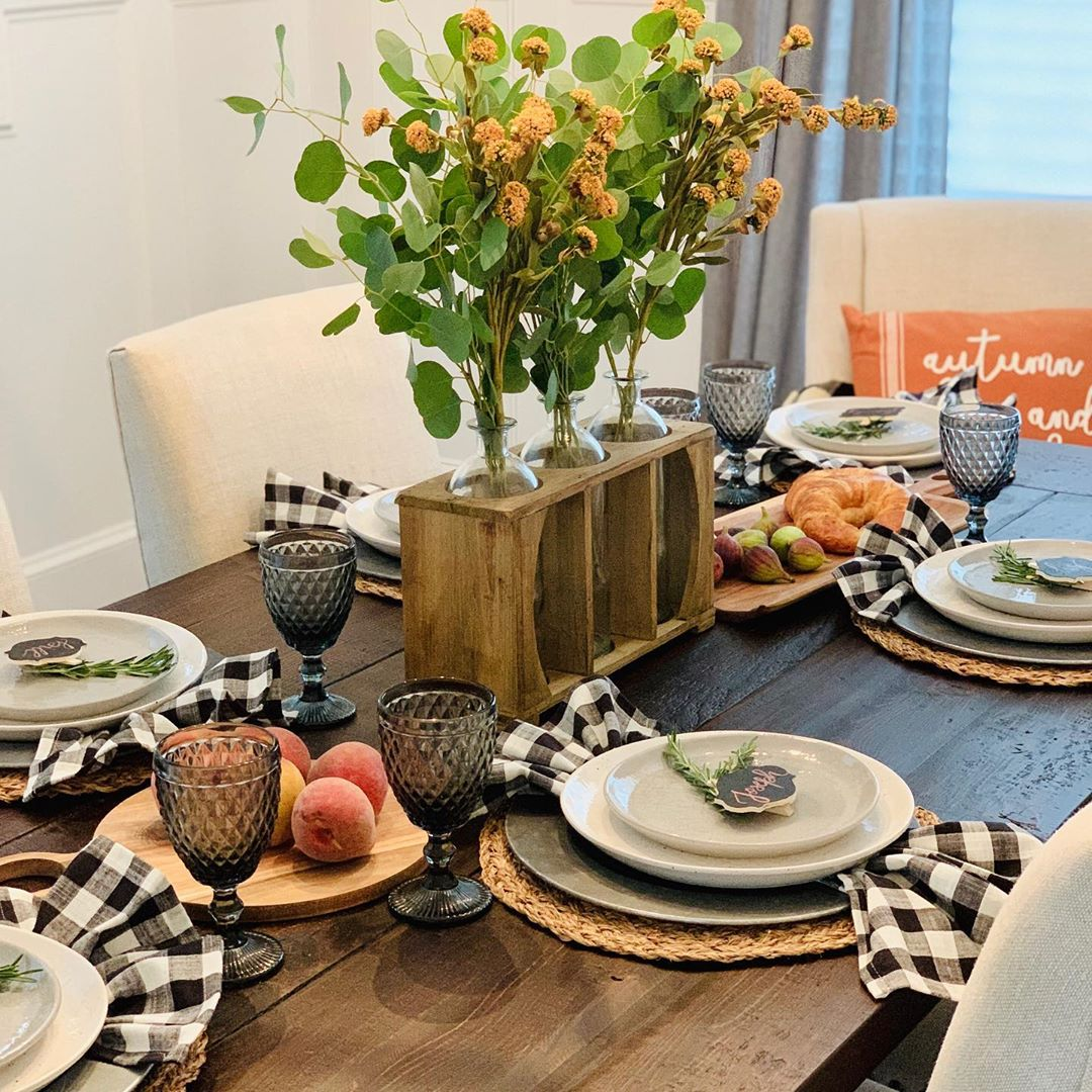 1570190897 658 funky fresh fall tablescapes from instagram - Funky Fresh Fall Tablescapes From Instagram