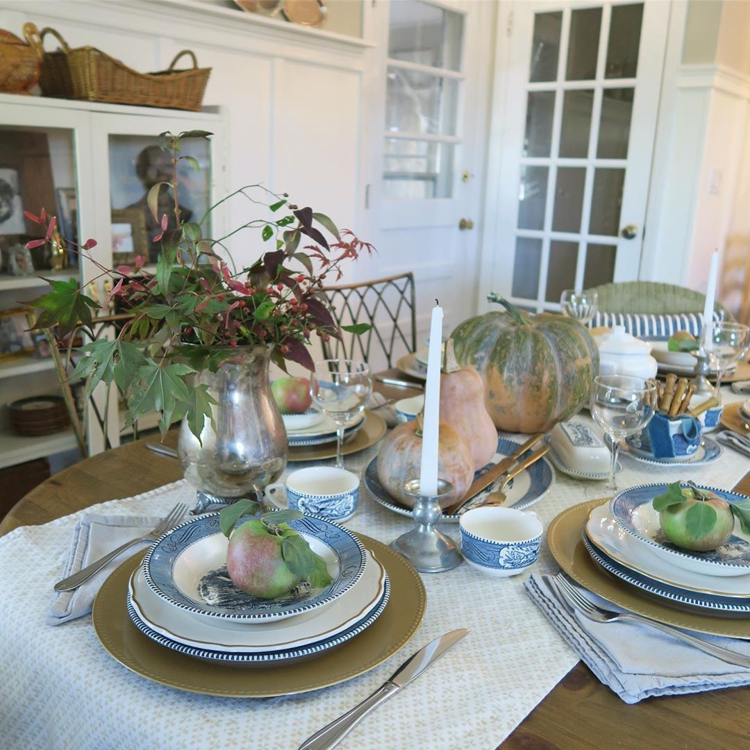 1570190898 798 funky fresh fall tablescapes from instagram - Funky Fresh Fall Tablescapes From Instagram