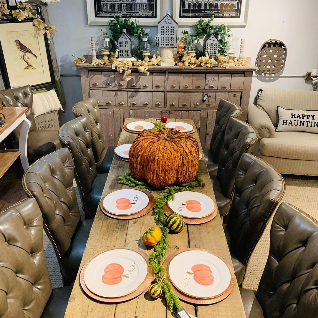 1570190899 503 funky fresh fall tablescapes from instagram - Funky Fresh Fall Tablescapes From Instagram