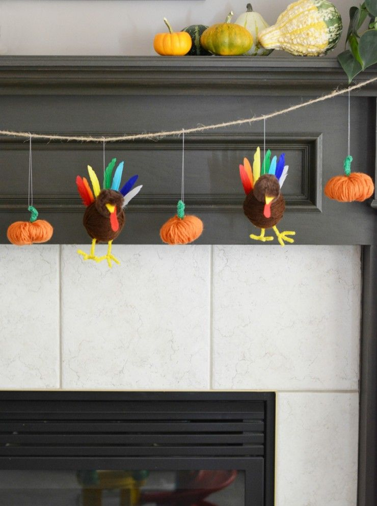 1570465729 851 15 amazing yarn halloween crafts that are absolutely adorable - 15 Amazing Yarn Halloween Crafts That Are Absolutely Adorable
