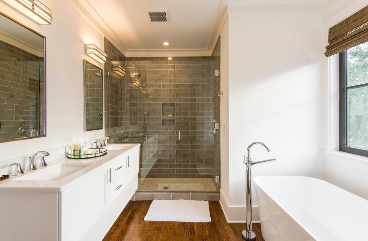 1570466066 204 the best bathroom sink faucets you can buy right now - The Best Bathroom Sink Faucets You Can Buy Right Now