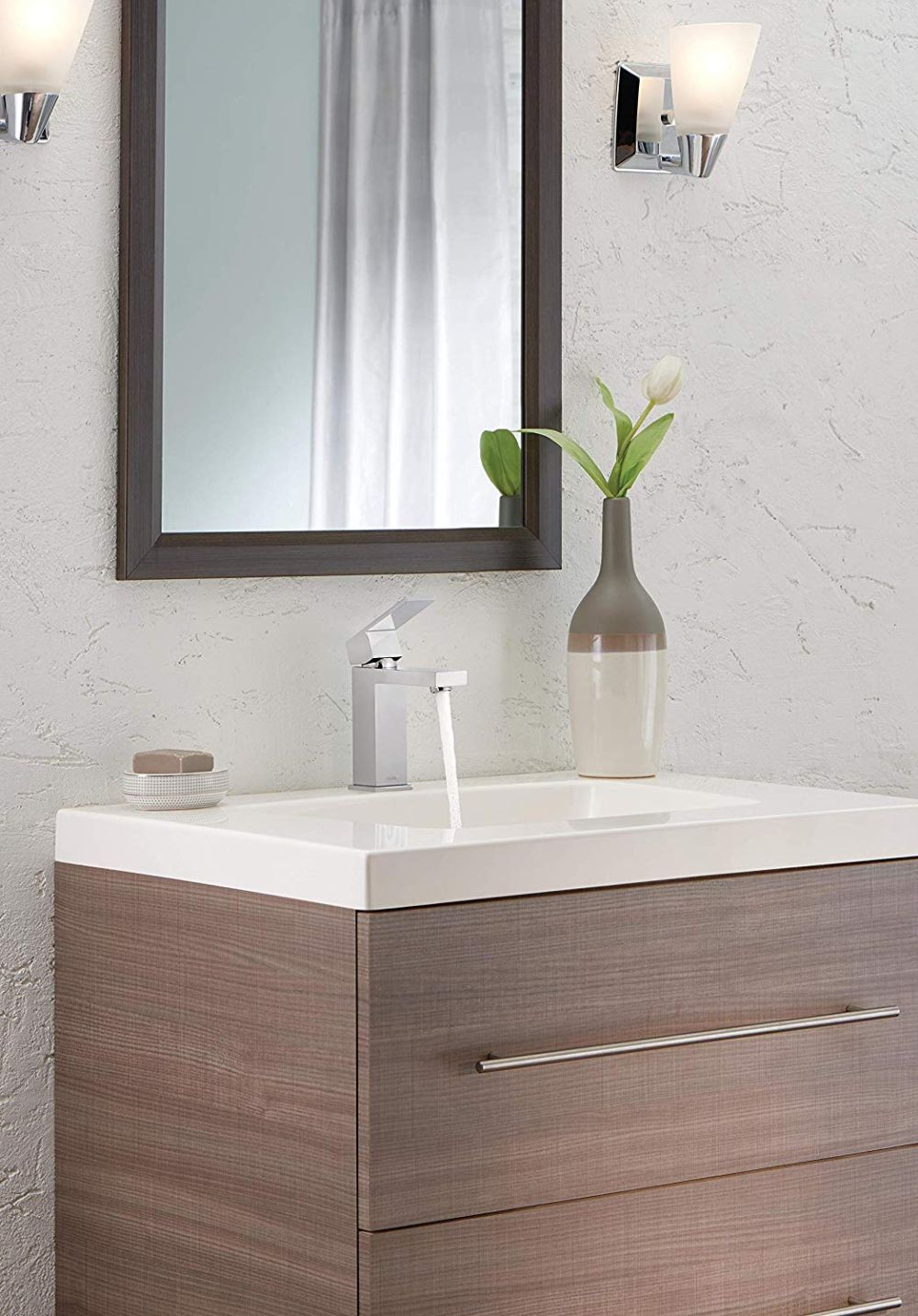 1570466067 231 the best bathroom sink faucets you can buy right now - The Best Bathroom Sink Faucets You Can Buy Right Now