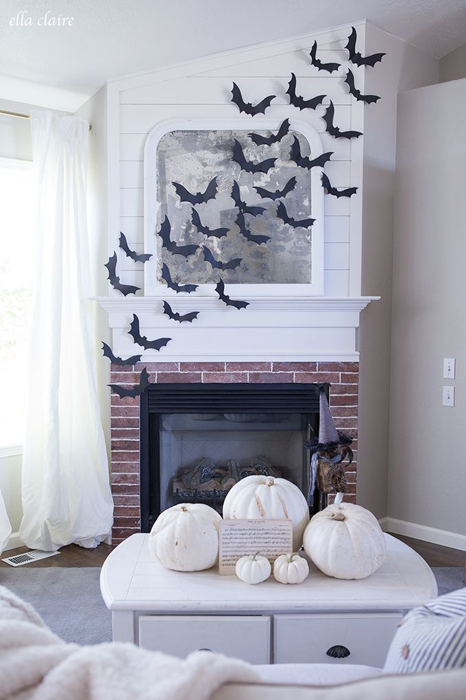 1570603338 222 cool black and white decor ideas for halloween - Cool Black And White Decor Ideas for Halloween
