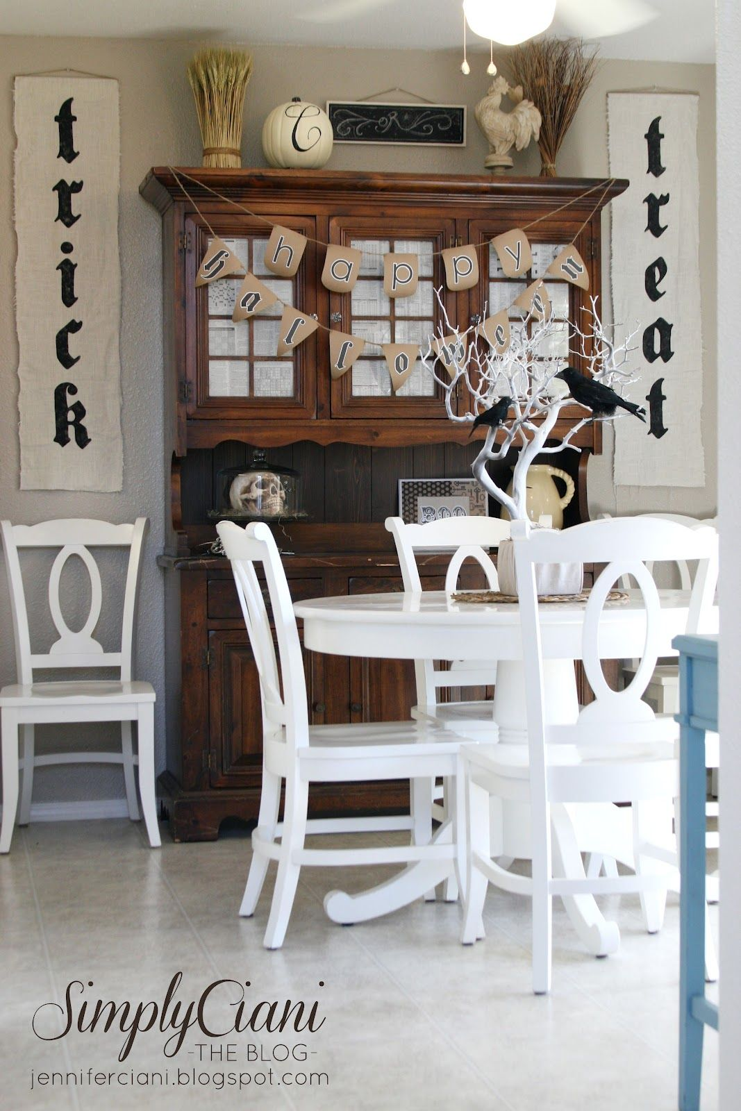 1570603339 670 cool black and white decor ideas for halloween - Cool Black And White Decor Ideas for Halloween