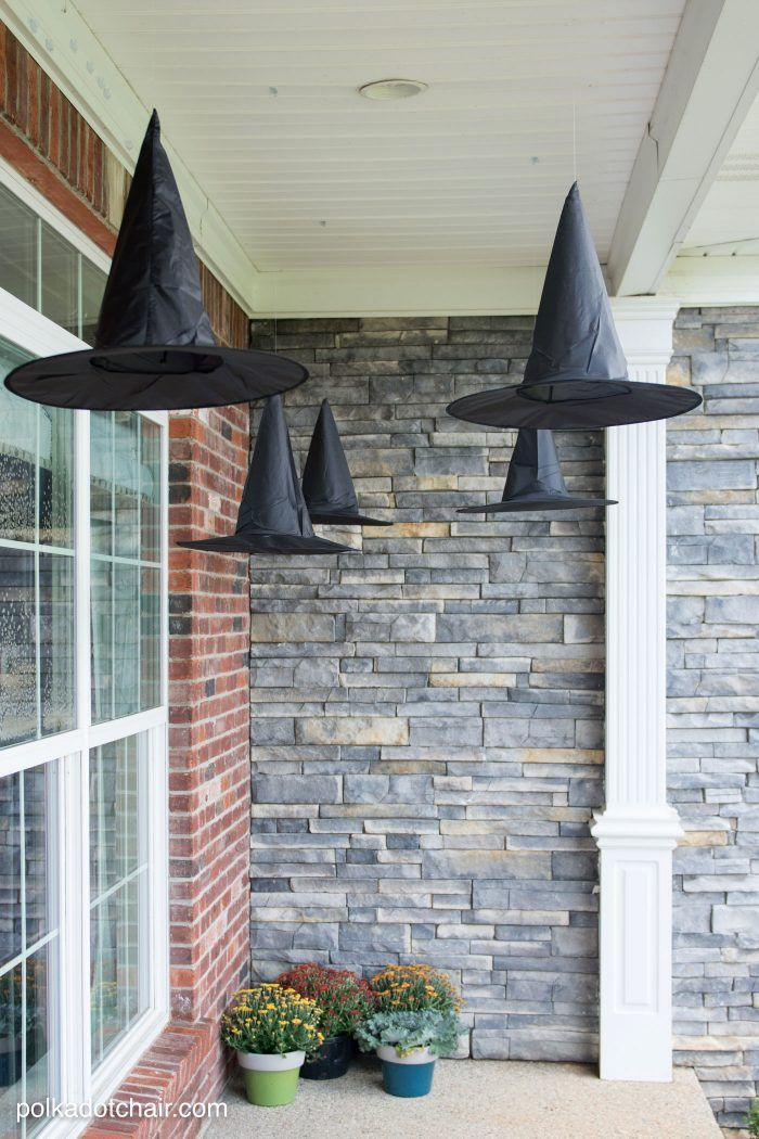 1570603339 989 cool black and white decor ideas for halloween - Cool Black And White Decor Ideas for Halloween