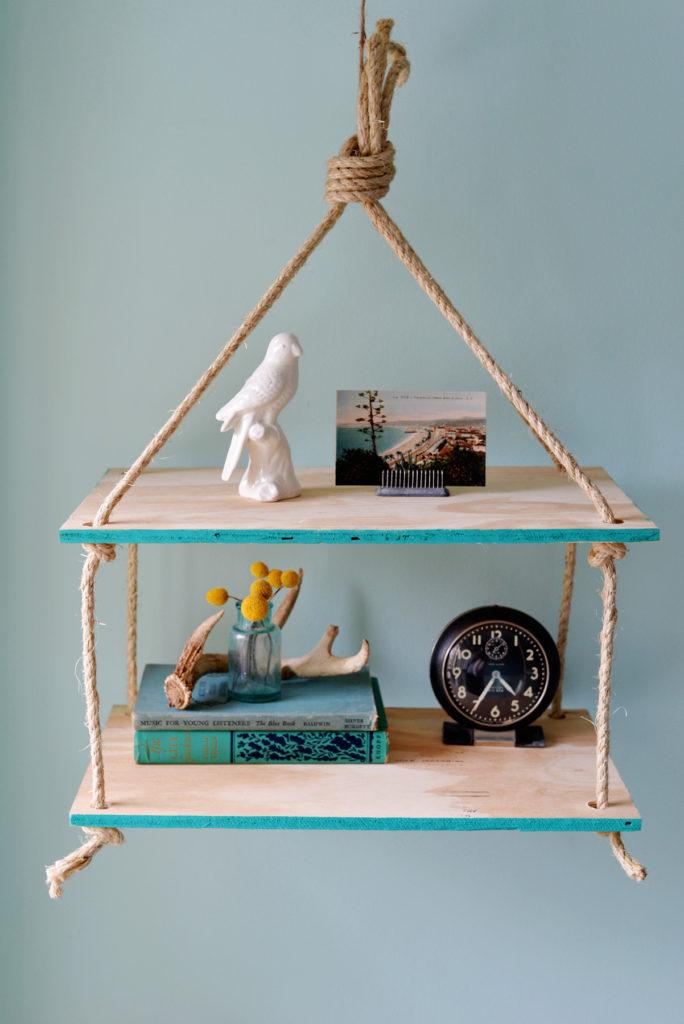 1570692065 142 10 diy shelves perfect for beginner craftspeople - 10 DIY Shelves Perfect For Beginner Craftspeople