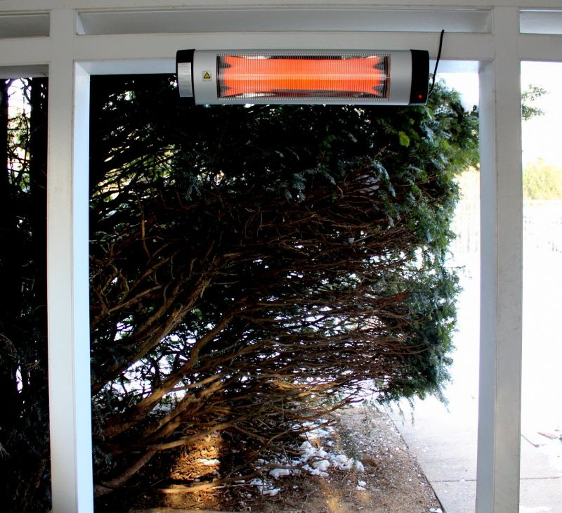 1570707431 859 a buyers guide to the best outdoor patio heaters - A Buyer's Guide to the Best Outdoor Patio Heaters