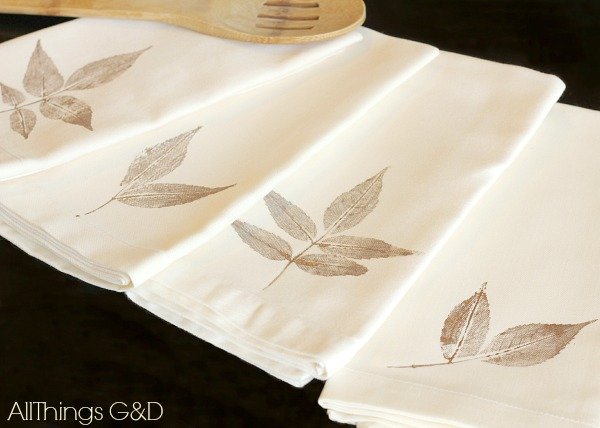 1571084281 540 beautiful leaf crafts just in time for autumn - Beautiful Leaf Crafts Just In Time For Autumn