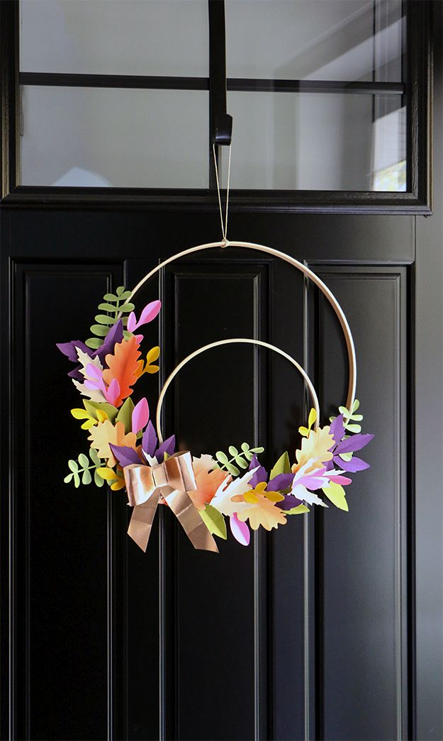 1571084282 415 beautiful leaf crafts just in time for autumn - Beautiful Leaf Crafts Just In Time For Autumn