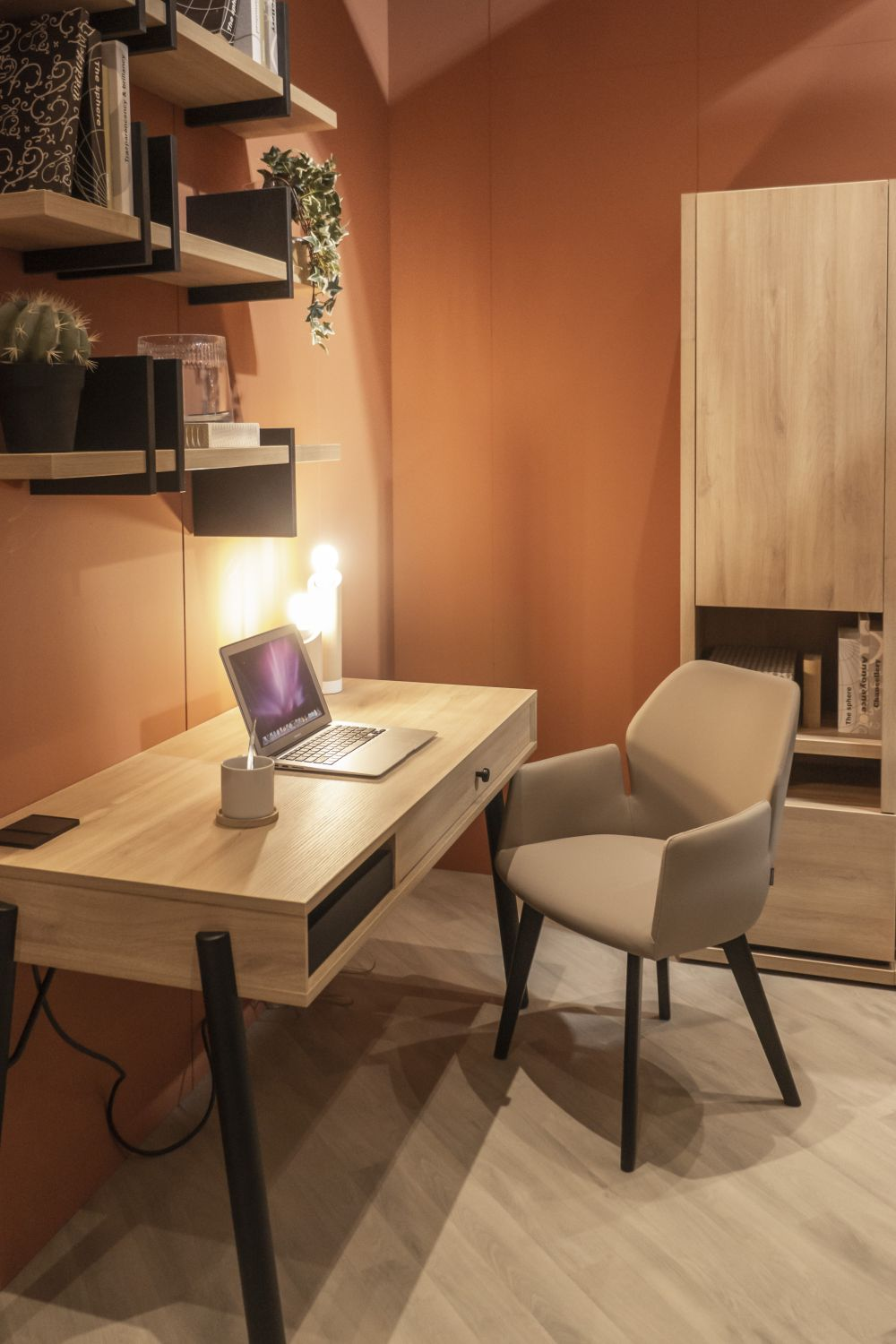 1571084351 673 in search for the perfect office desk our favorite design ideas - In Search For The Perfect Office Desk –  Our Favorite Design Ideas
