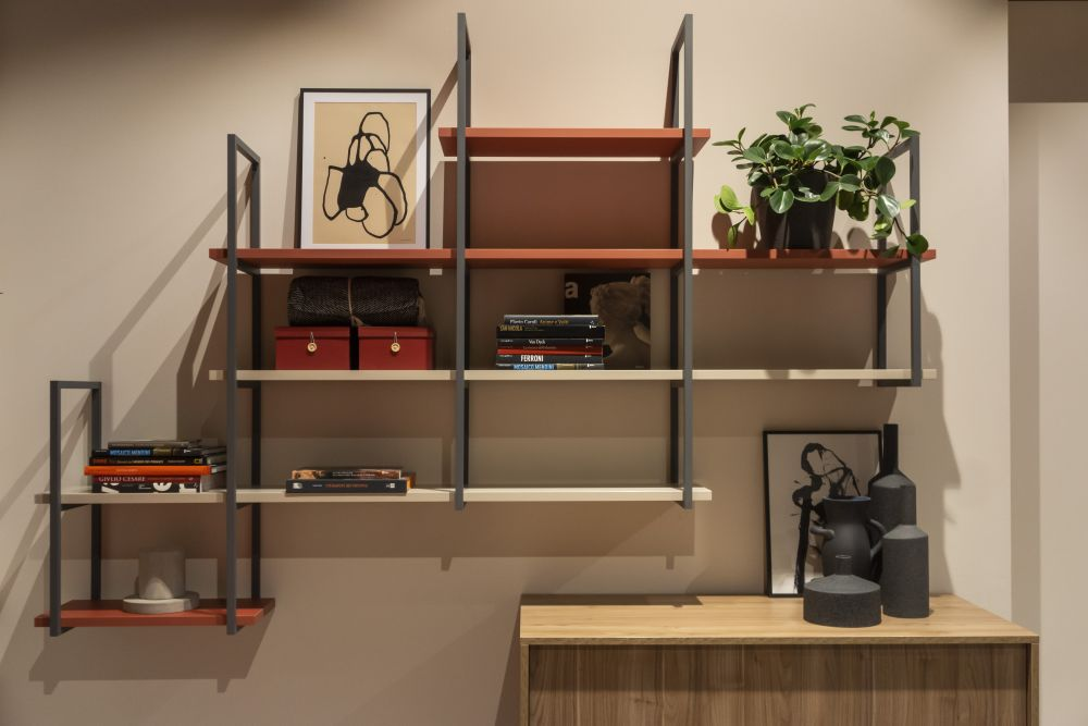 1571084529 218 charming ways to integrate bookshelves into any space - Charming Ways To Integrate Bookshelves Into any Space