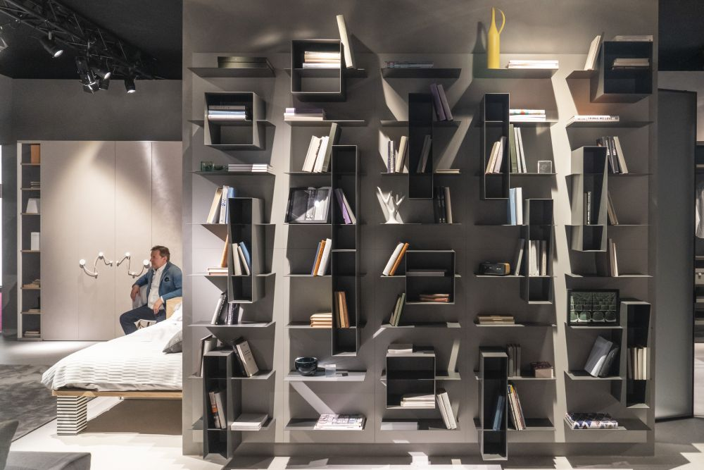 1571084529 367 charming ways to integrate bookshelves into any space - Charming Ways To Integrate Bookshelves Into any Space