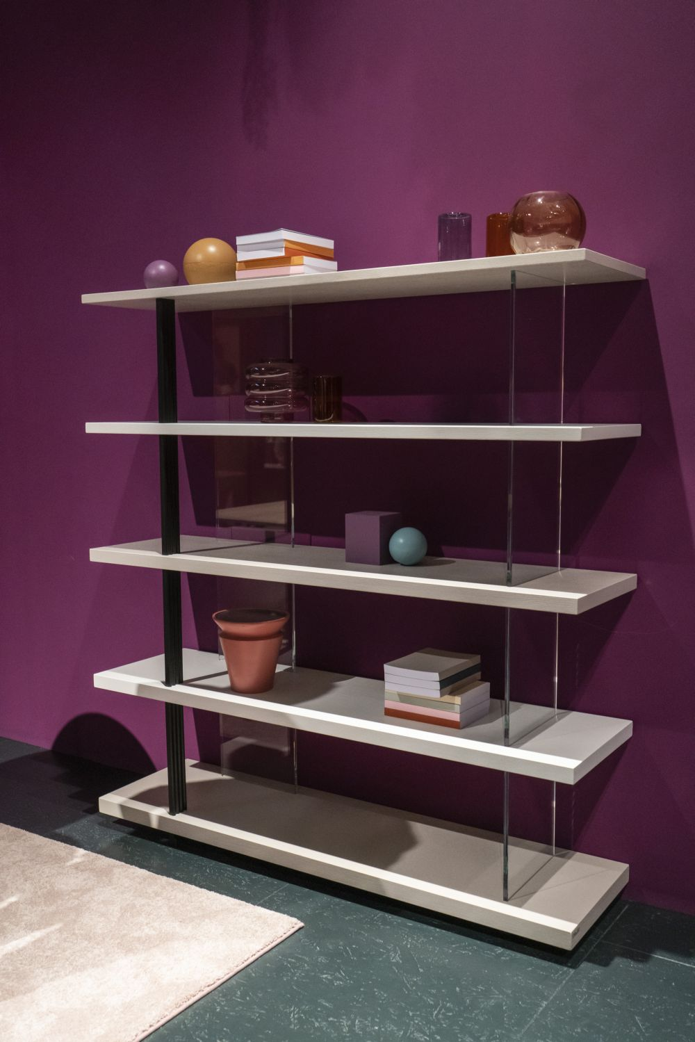 1571084530 195 charming ways to integrate bookshelves into any space - Charming Ways To Integrate Bookshelves Into any Space