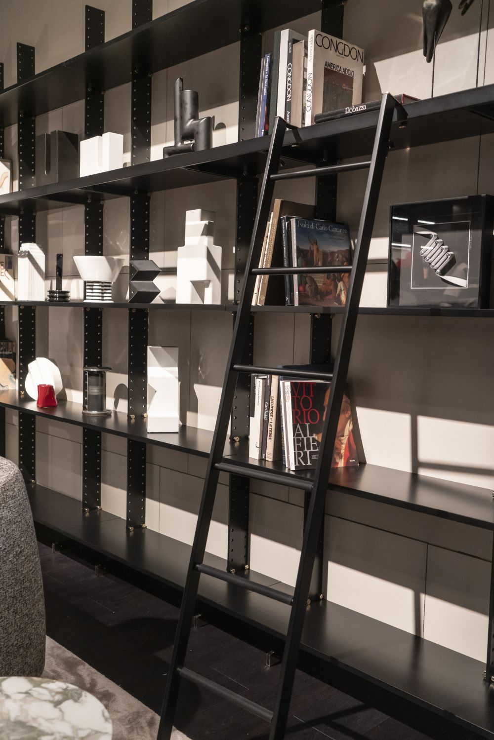 1571084530 323 charming ways to integrate bookshelves into any space - Charming Ways To Integrate Bookshelves Into any Space
