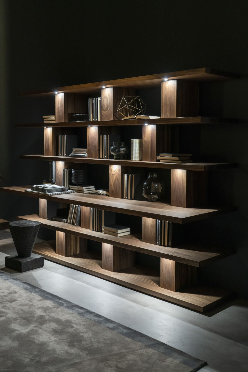 1571084530 700 charming ways to integrate bookshelves into any space - Charming Ways To Integrate Bookshelves Into any Space