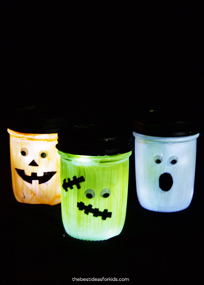 1571127052 777 diy halloween candle projects with spooky designs - DIY Halloween Candle Projects With Spooky Designs