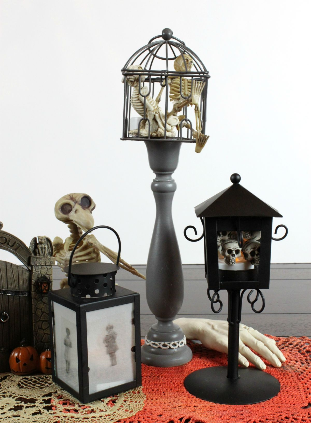 1571127052 86 diy halloween candle projects with spooky designs - DIY Halloween Candle Projects With Spooky Designs