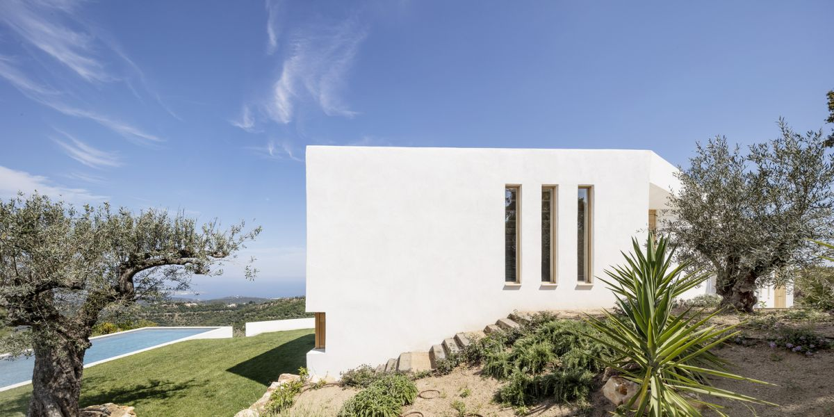 1571211046 249 white house in spain turns to the landscape - White House in Spain Turns To The Landscape