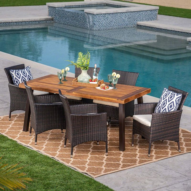 1571407638 496 top 10 best patio dining sets that blend looks and comfort - Top 10 Best Patio Dining Sets That Blend Looks and Comfort