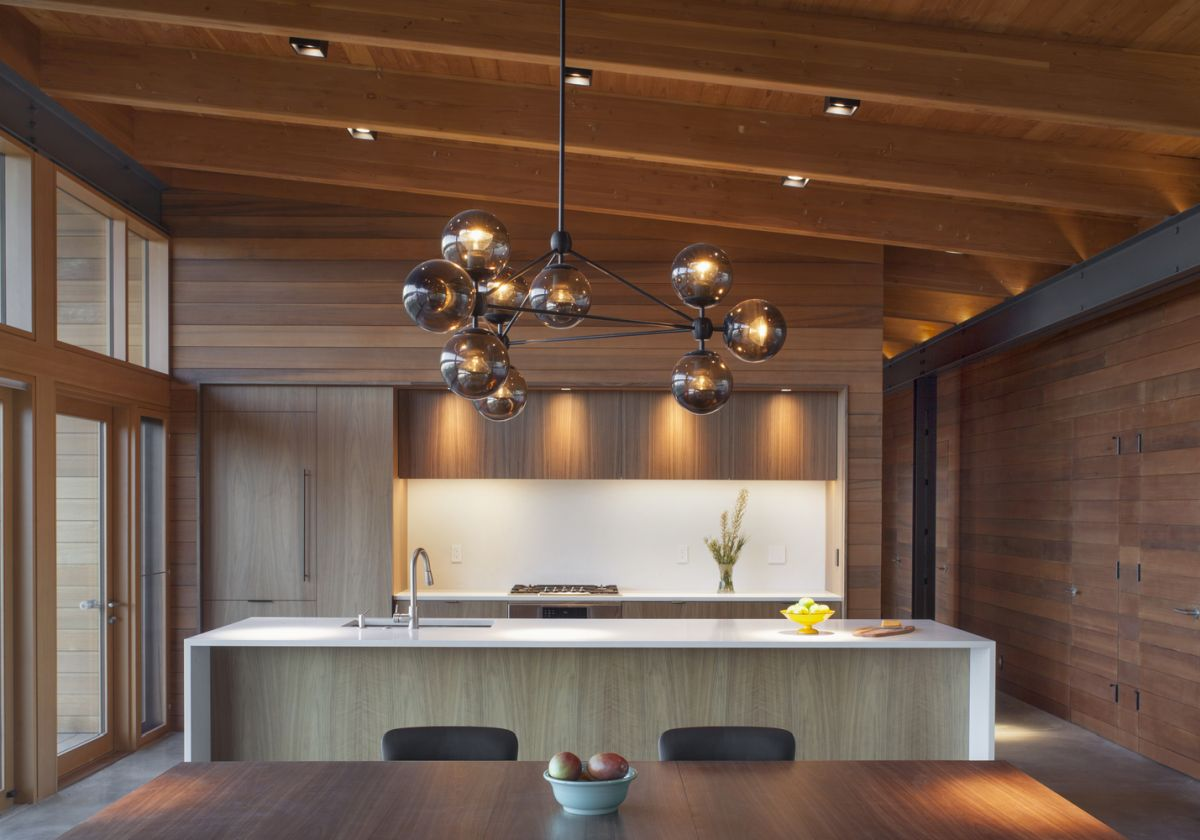 The day area houses and open plan kitchen, dining room and living area and has a very inviting vibe