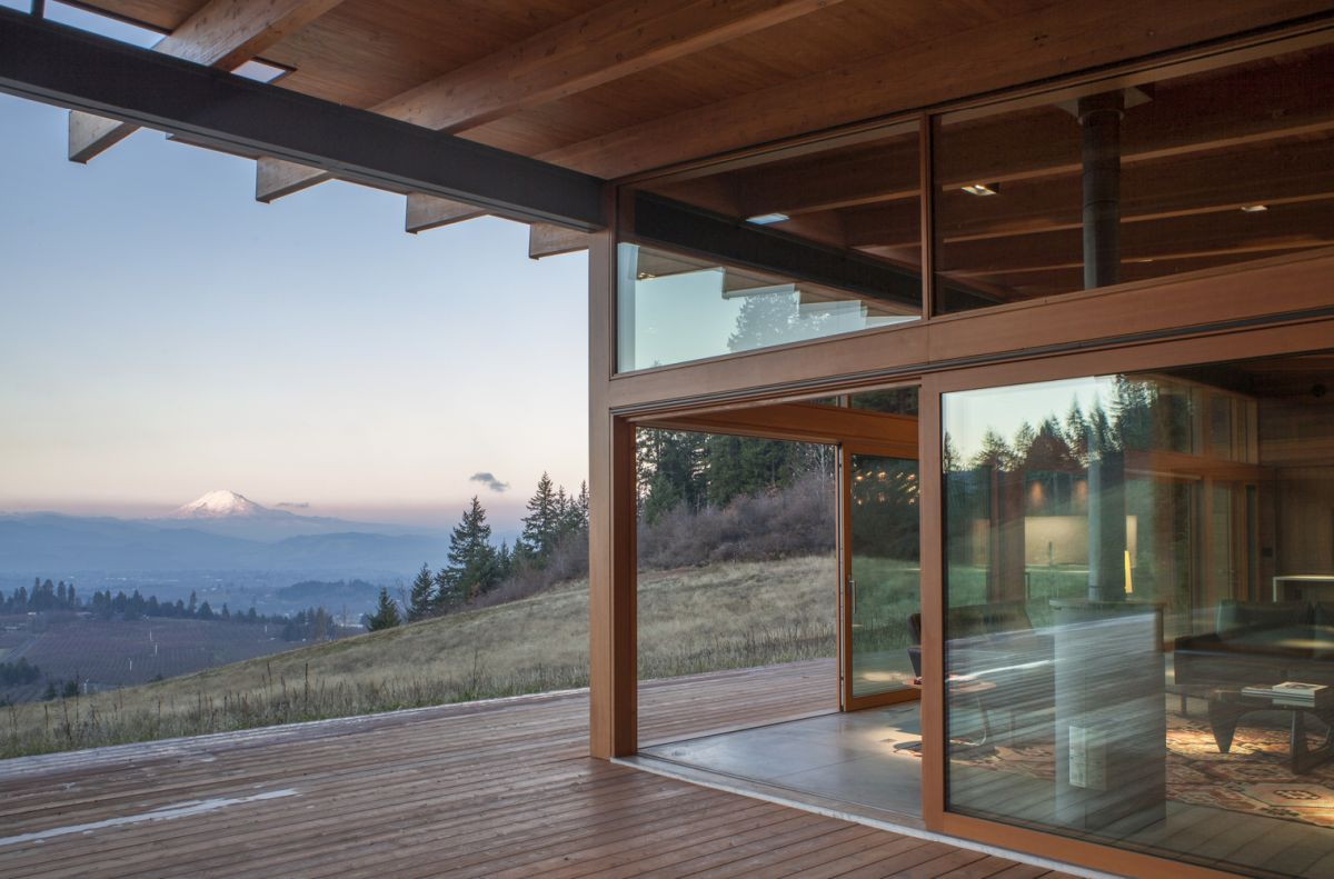 The house overlooks the valley and enjoys a panoramic view which can be admired from every room