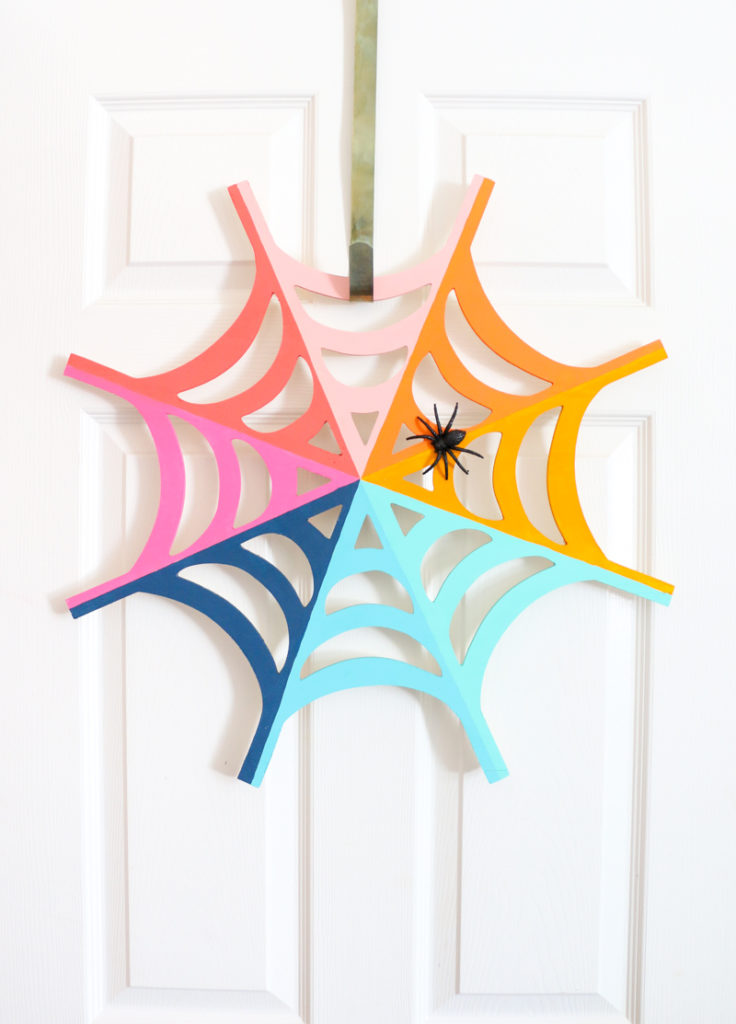1571999738 591 10 last minute halloween crafts full of spiders and webs - 10 Last Minute Halloween Crafts Full of Spiders And Webs