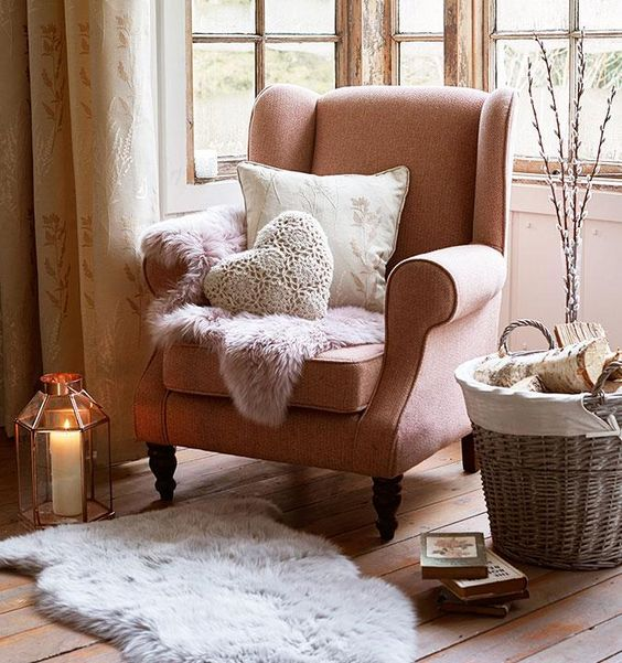 1572166349 750 how a statement armchair can change your whole living room style - How A Statement Armchair Can Change Your Whole Living Room Style