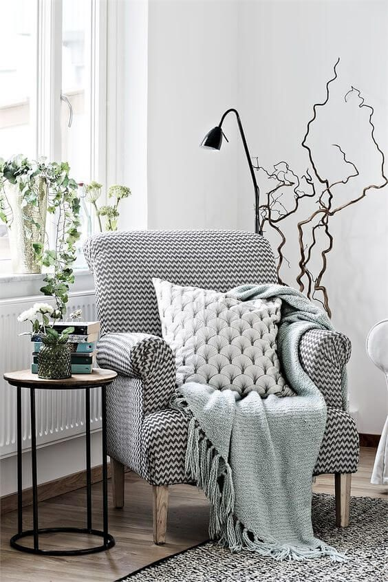 1572166350 858 how a statement armchair can change your whole living room style - How A Statement Armchair Can Change Your Whole Living Room Style