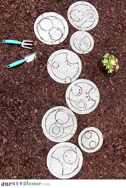 1572258208 343 how to make garden stepping stones with unique and quirky designs - How To Make Garden Stepping Stones With Unique and Quirky Designs
