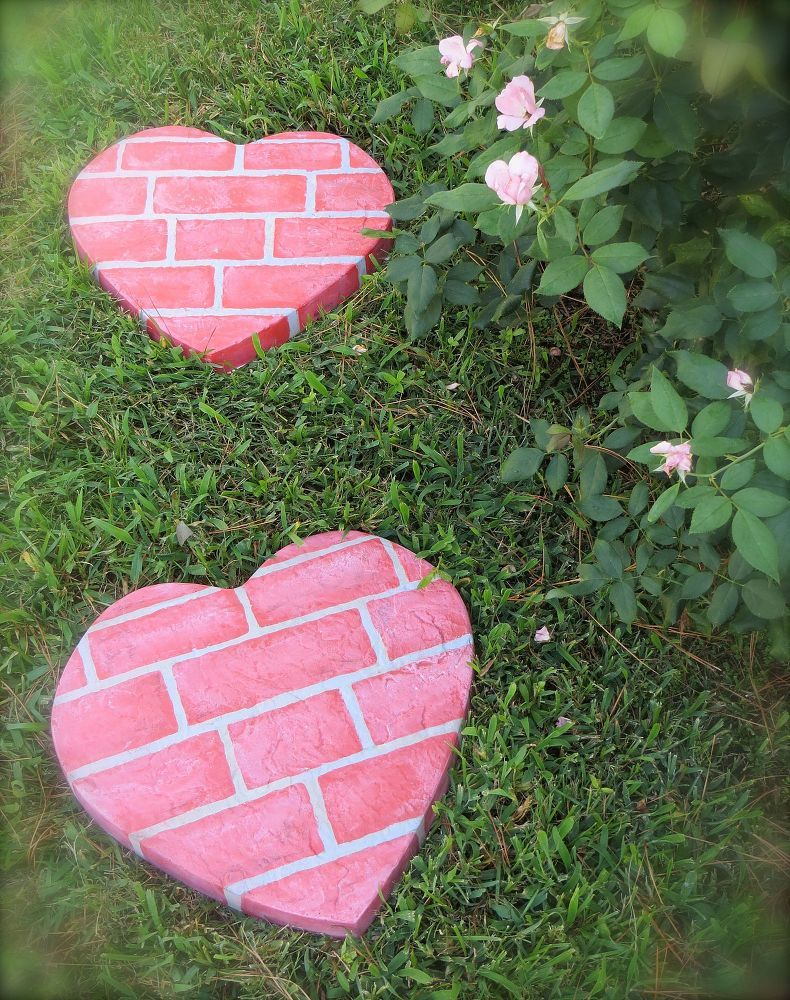 1572258208 720 how to make garden stepping stones with unique and quirky designs - How To Make Garden Stepping Stones With Unique and Quirky Designs