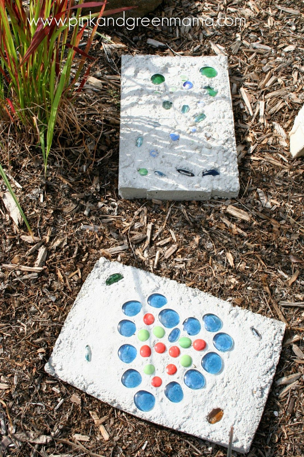 1572258210 750 how to make garden stepping stones with unique and quirky designs - How To Make Garden Stepping Stones With Unique and Quirky Designs