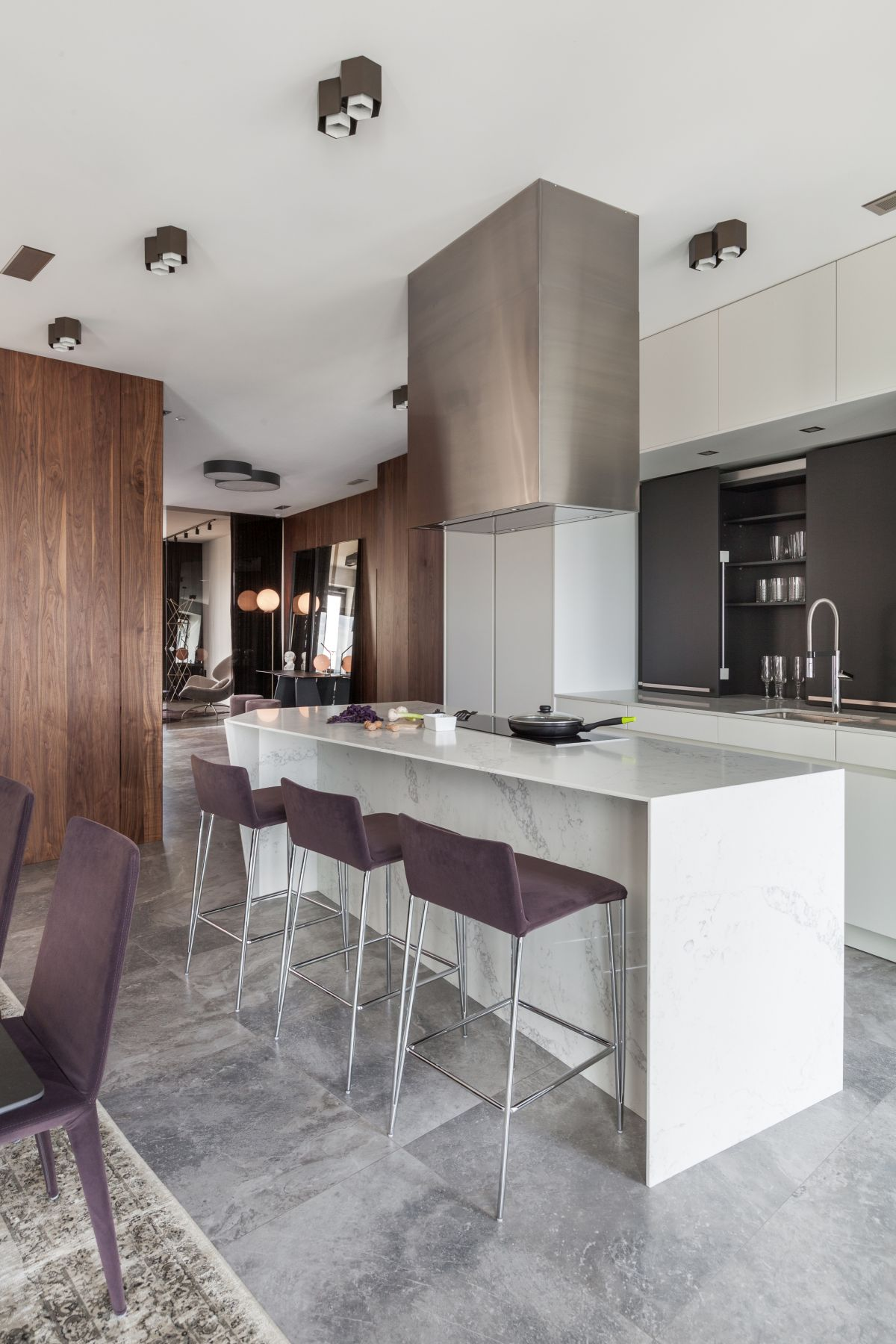 1572340907 904 posh apartment in minsk gets a complete remodel - Posh Apartment in Minsk Gets A Complete Remodel