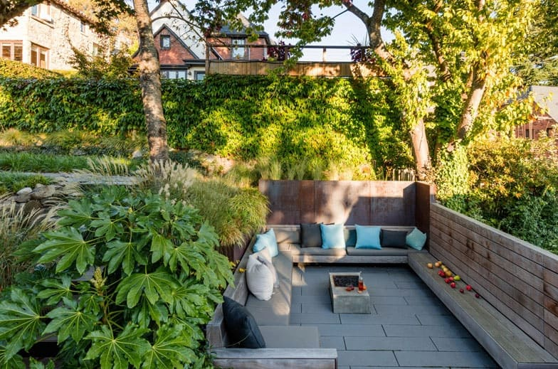 1572446304 3 10 amazing backyard landscape ideas for modern homes - 10 Amazing Backyard Landscape Ideas for Modern Homes