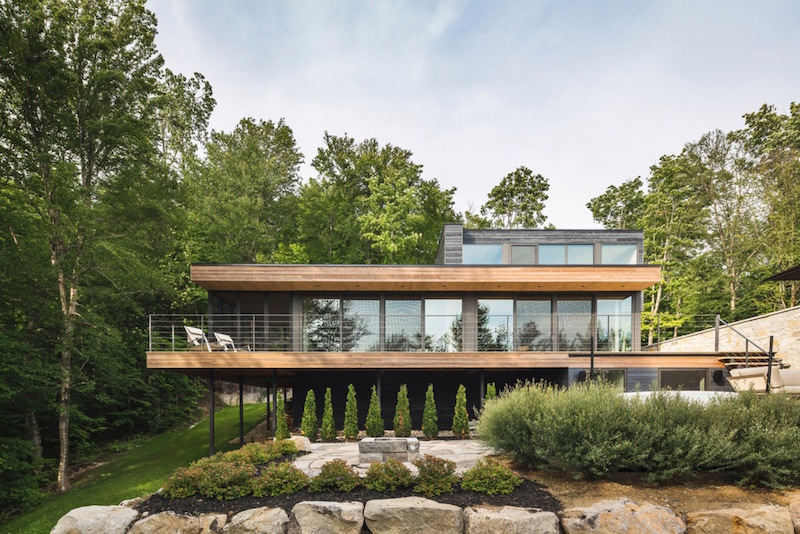 1572446304 582 10 amazing backyard landscape ideas for modern homes - 10 Amazing Backyard Landscape Ideas for Modern Homes