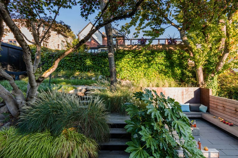 1572446304 984 10 amazing backyard landscape ideas for modern homes - 10 Amazing Backyard Landscape Ideas for Modern Homes