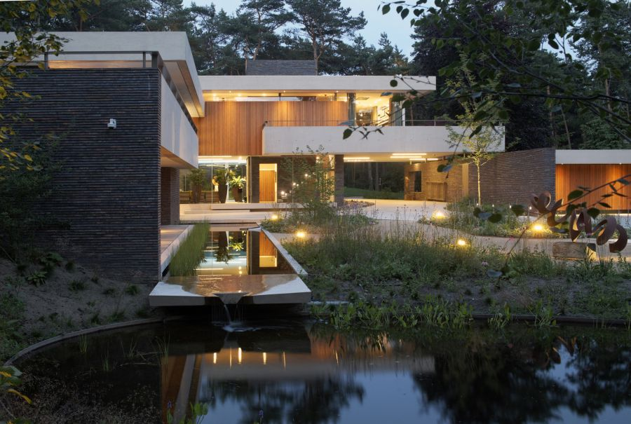 1572446305 705 10 amazing backyard landscape ideas for modern homes - 10 Amazing Backyard Landscape Ideas for Modern Homes