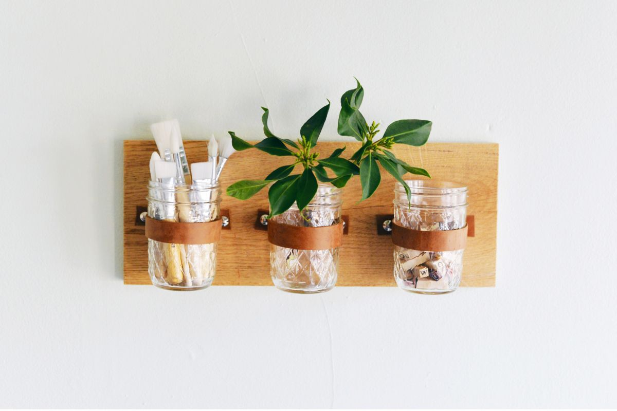 DIY Mason Jar Wall Organizer - All Our Best Project Ideas For Newbie DIYers
